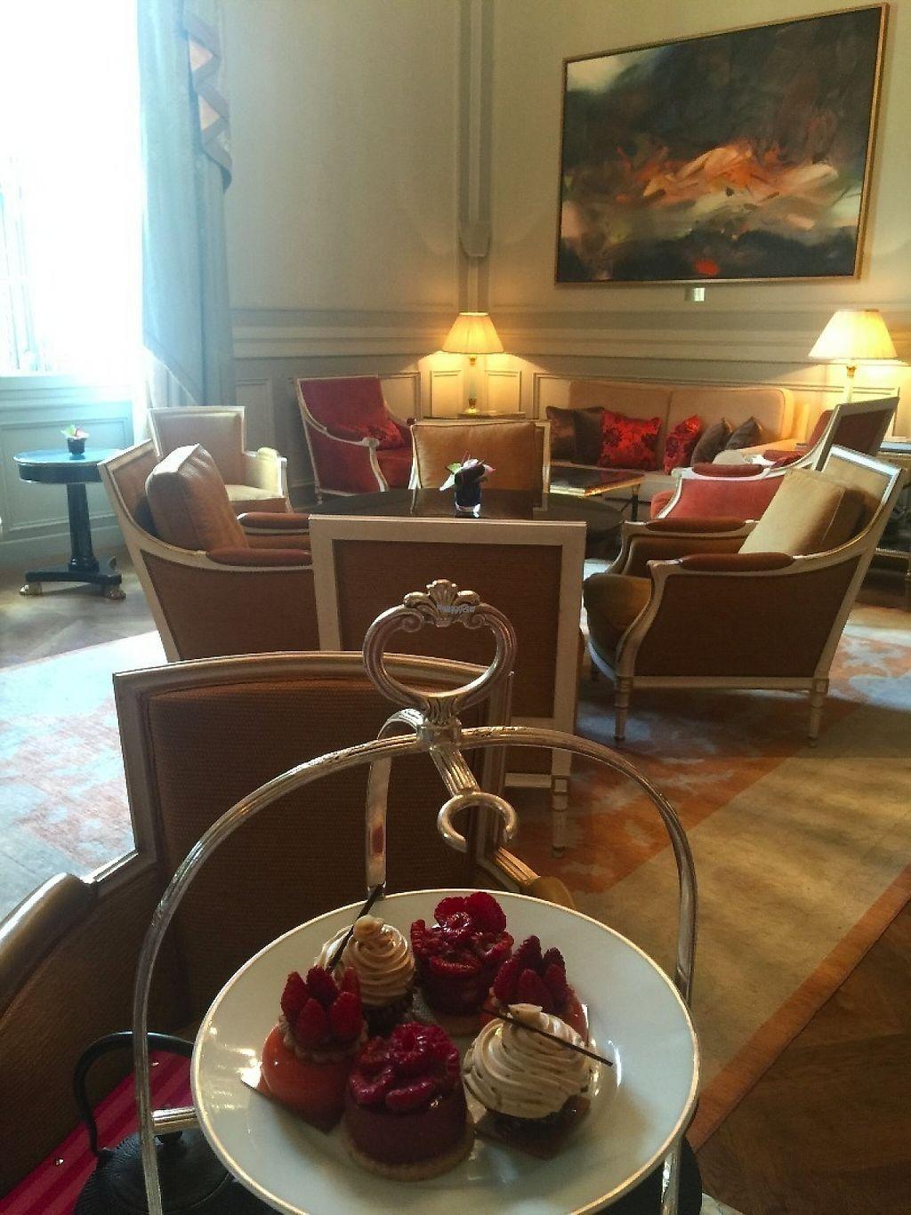 "Photo of Shangri-La Hotel - lounge  by <a href=""/members/profile/Anne%20VDH"">Anne VDH</a> <br/>Vegan high tea; Paris; Shangri-La <br/> January 16, 2017  - <a href='/contact/abuse/image/64090/212358'>Report</a>"