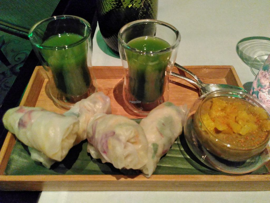 """Photo of Shangri-La Hotel - lounge  by <a href=""""/members/profile/JonJon"""">JonJon</a> <br/>Spring rolls and green juices <br/> January 29, 2017  - <a href='/contact/abuse/image/64090/219381'>Report</a>"""