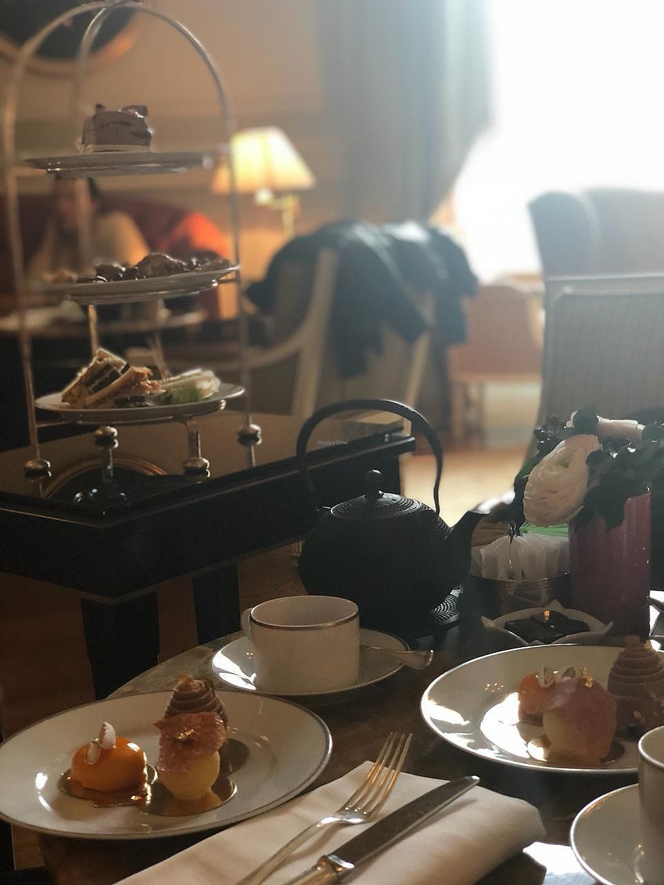 """Photo of Shangri-La Hotel - lounge  by <a href=""""/members/profile/fievos"""">fievos</a> <br/>The vegan afternoon tea at the Shangri La <br/> April 4, 2018  - <a href='/contact/abuse/image/64090/380826'>Report</a>"""
