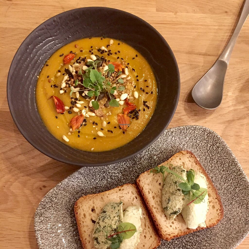 """Photo of Vegan Gorilla  by <a href=""""/members/profile/Eefie"""">Eefie</a> <br/>Bread with creamcheese & Indian sweet potatoesoup <br/> February 18, 2018  - <a href='/contact/abuse/image/64096/360718'>Report</a>"""