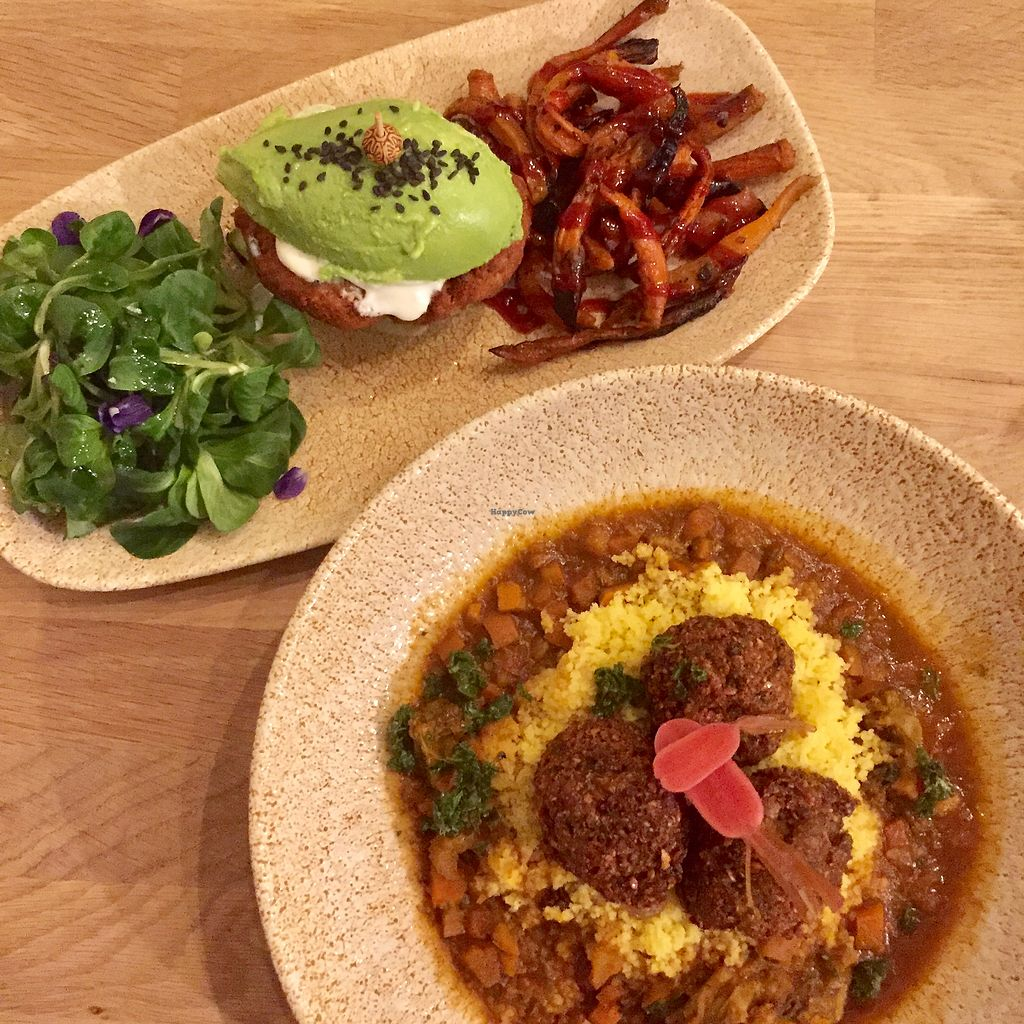 """Photo of Vegan Gorilla  by <a href=""""/members/profile/Eefie"""">Eefie</a> <br/>Avocadoburger with falafel & Mushroom kofta with couscous <br/> February 18, 2018  - <a href='/contact/abuse/image/64096/360719'>Report</a>"""