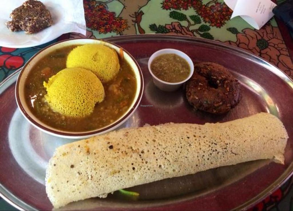 "Photo of Annapurna's World Vegetarian Cafe - UNM  by <a href=""/members/profile/Evolving"">Evolving</a> <br/>South Indian sampler  <br/> June 5, 2014  - <a href='/contact/abuse/image/6410/71417'>Report</a>"