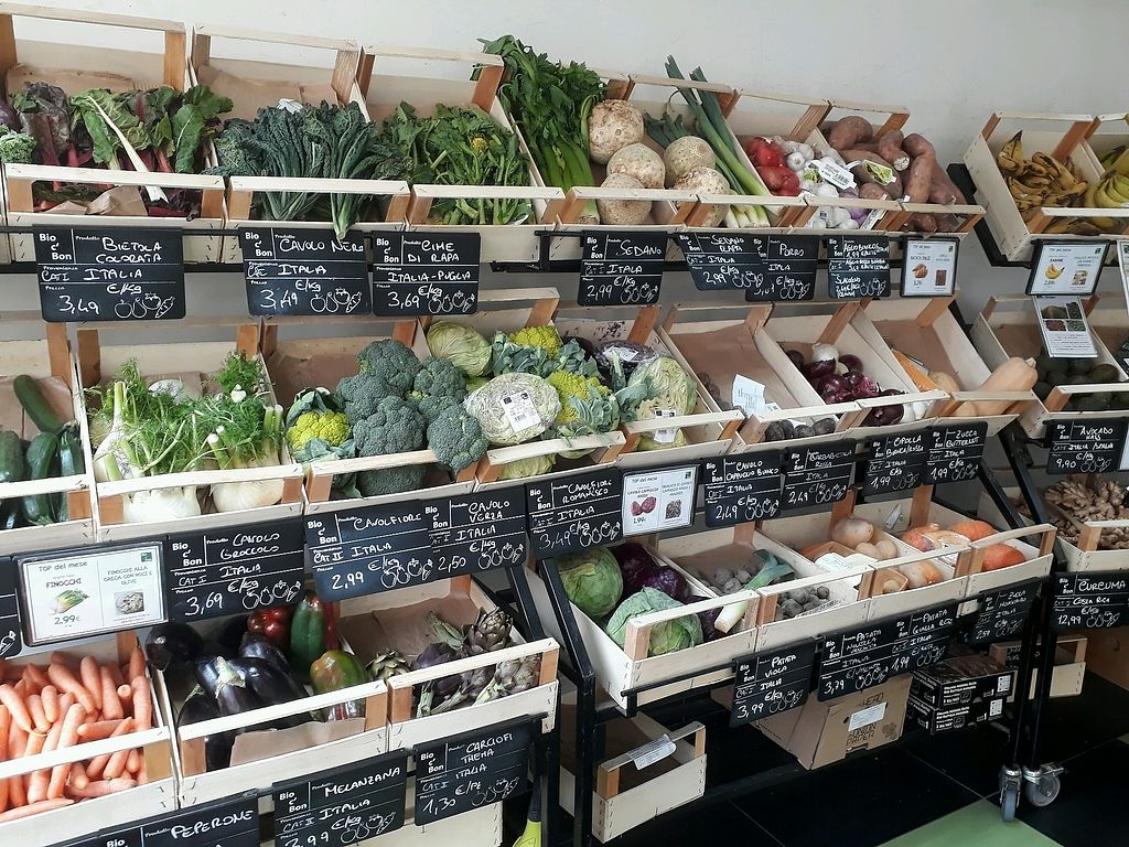 """Photo of Bio c' Bon - Piave  by <a href=""""/members/profile/LauraMu"""">LauraMu</a> <br/>Fresh fruit and veg section <br/> March 5, 2018  - <a href='/contact/abuse/image/64120/367191'>Report</a>"""
