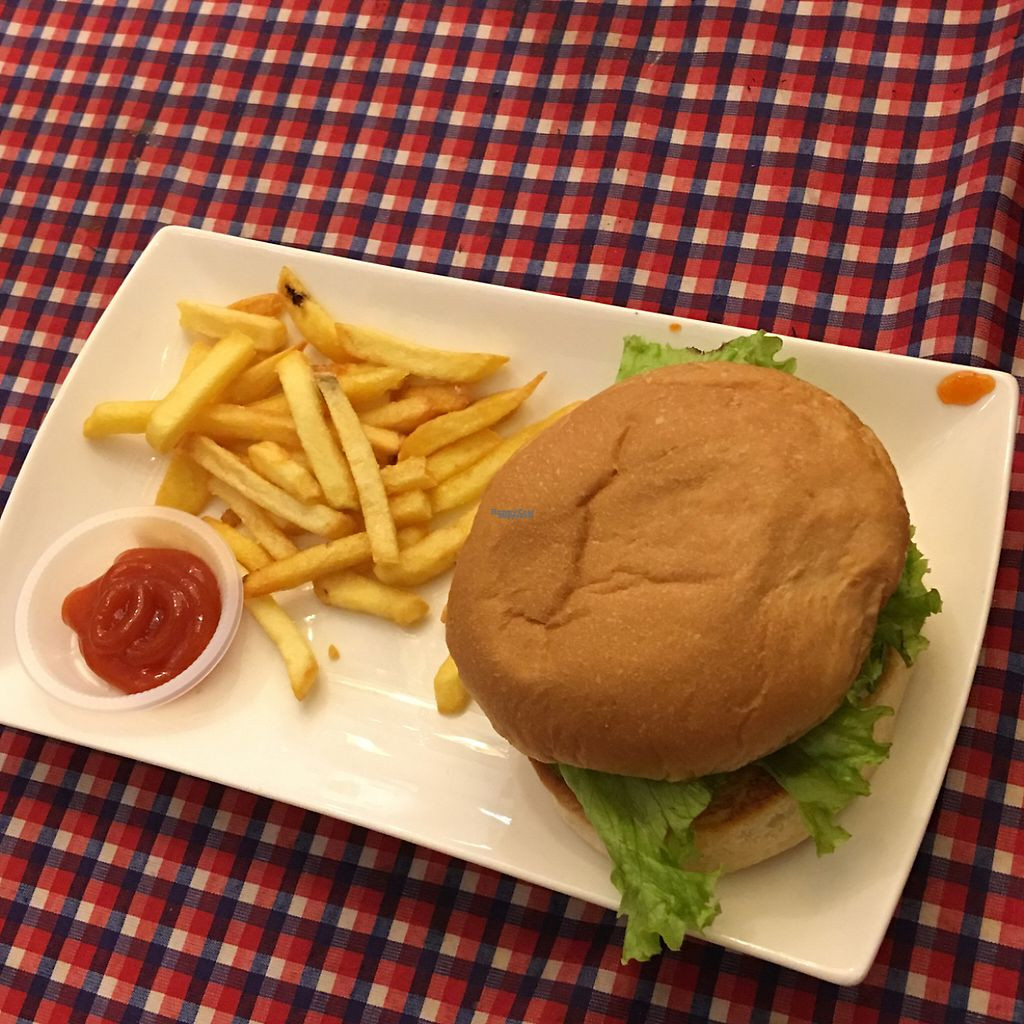"""Photo of Book Cafe  by <a href=""""/members/profile/Vegeson"""">Vegeson</a> <br/>burger <br/> January 18, 2017  - <a href='/contact/abuse/image/64126/213028'>Report</a>"""
