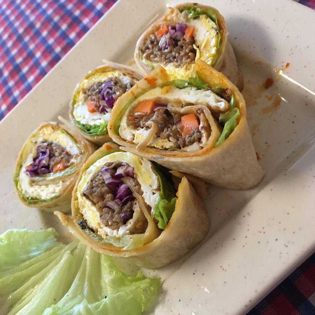 """Photo of Book Cafe  by <a href=""""/members/profile/BryanHu"""">BryanHu</a> <br/>signature springroll <br/> March 29, 2017  - <a href='/contact/abuse/image/64126/242319'>Report</a>"""