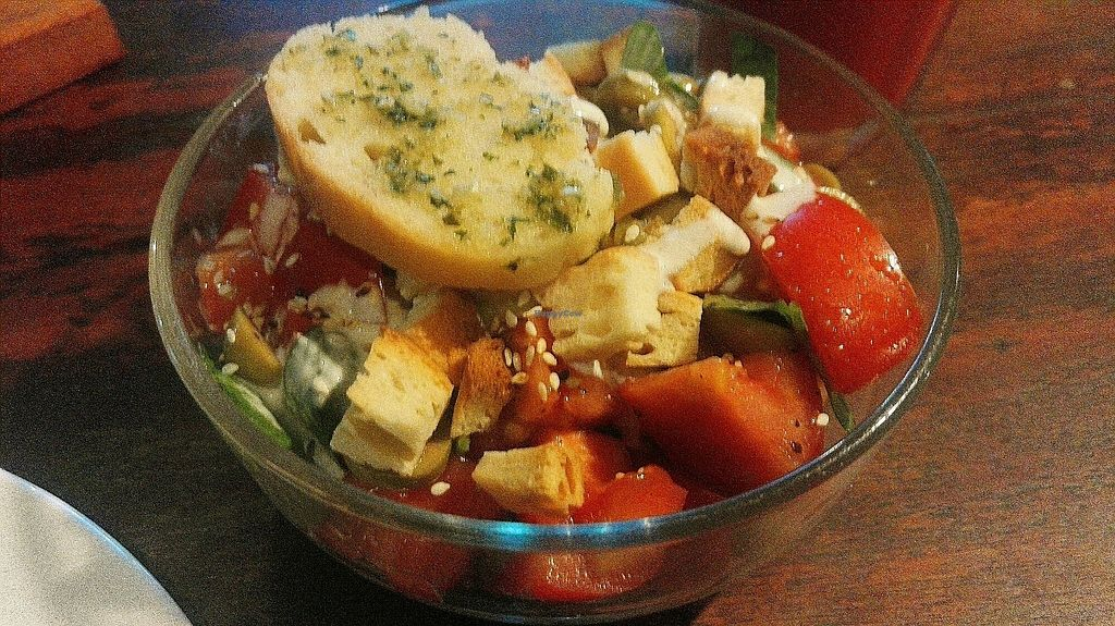 """Photo of EL Cafe Vegetarian Food  by <a href=""""/members/profile/KaisaKoo"""">KaisaKoo</a> <br/>tomato, basil & olive salad <br/> January 31, 2018  - <a href='/contact/abuse/image/64136/353091'>Report</a>"""