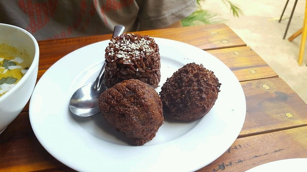 """Photo of EL Cafe Vegetarian Food  by <a href=""""/members/profile/Bintje"""">Bintje</a> <br/>Vegetable balls <br/> April 11, 2018  - <a href='/contact/abuse/image/64136/383847'>Report</a>"""