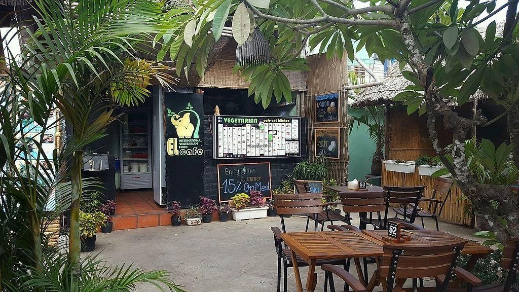 "Photo of EL Cafe Vegetarian Food  by <a href=""/members/profile/Bintje"">Bintje</a> <br/>El Cafe <br/> April 11, 2018  - <a href='/contact/abuse/image/64136/383850'>Report</a>"