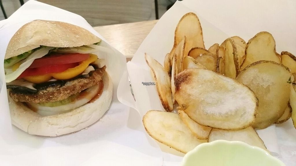 """Photo of Rice Burger Himiso - 하이미소  by <a href=""""/members/profile/arcticfox"""">arcticfox</a> <br/>mushroom burger with fried potato <br/> October 5, 2016  - <a href='/contact/abuse/image/64200/179883'>Report</a>"""