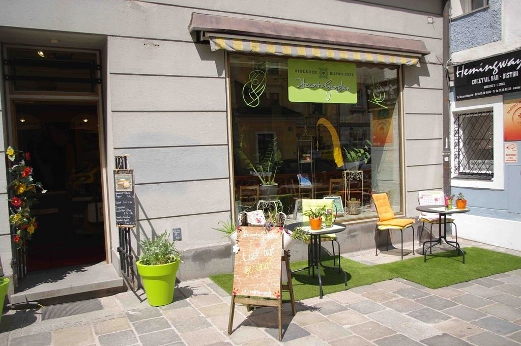 Photo of CLOSED: Heart-Garden  by Blume <br/>Shop from Outside <br/> September 21, 2016  - <a href='/contact/abuse/image/64214/177074'>Report</a>
