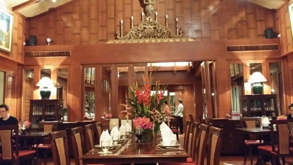 """Photo of Baan Kanitha  by <a href=""""/members/profile/yehadut"""">yehadut</a> <br/>spacious interior <br/> October 9, 2015  - <a href='/contact/abuse/image/64262/120702'>Report</a>"""