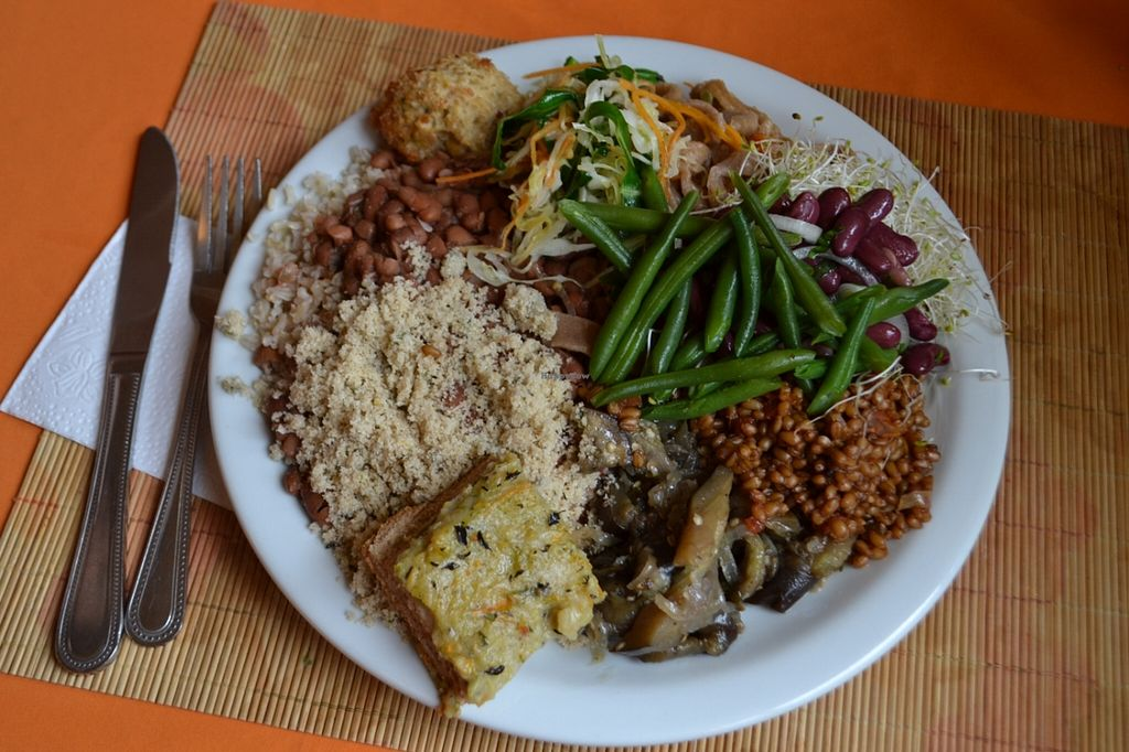 """Photo of Trigais  by <a href=""""/members/profile/bruno.assaz"""">bruno.assaz</a> <br/>My plate on February 9, 2016 (yes, I was hungry): delicious food <br/> February 9, 2016  - <a href='/contact/abuse/image/64276/135577'>Report</a>"""