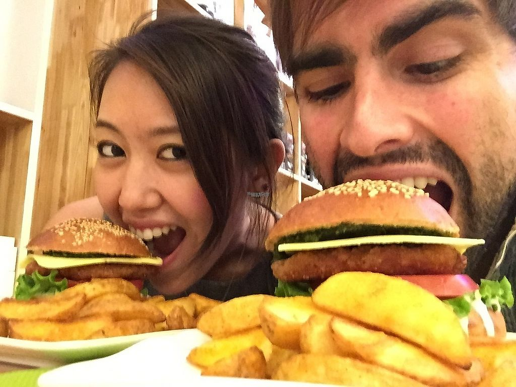 """Photo of Cloud Kitchen  by <a href=""""/members/profile/HaileyPoLa"""">HaileyPoLa</a> <br/>The burger is huge!  <br/> March 6, 2017  - <a href='/contact/abuse/image/64283/233366'>Report</a>"""