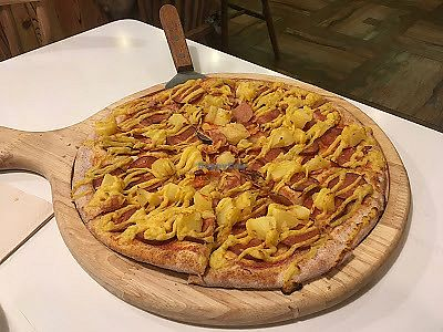 """Photo of Cloud Kitchen  by <a href=""""/members/profile/jojoinbrighton"""">jojoinbrighton</a> <br/>Delicious Hawaiian pizza <br/> August 5, 2017  - <a href='/contact/abuse/image/64283/289055'>Report</a>"""