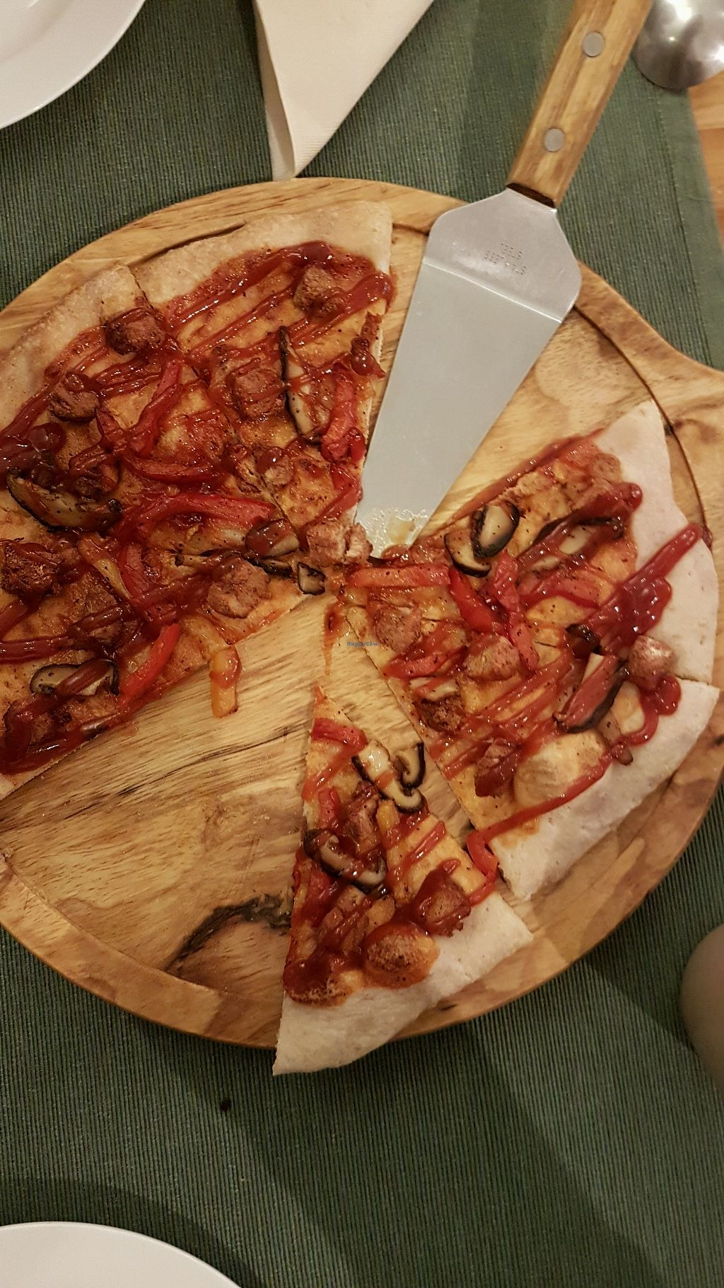 """Photo of Cloud Kitchen  by <a href=""""/members/profile/ElisabethF%C3%A9line"""">ElisabethFéline</a> <br/>Land barbecue pizza <br/> April 7, 2018  - <a href='/contact/abuse/image/64283/381770'>Report</a>"""