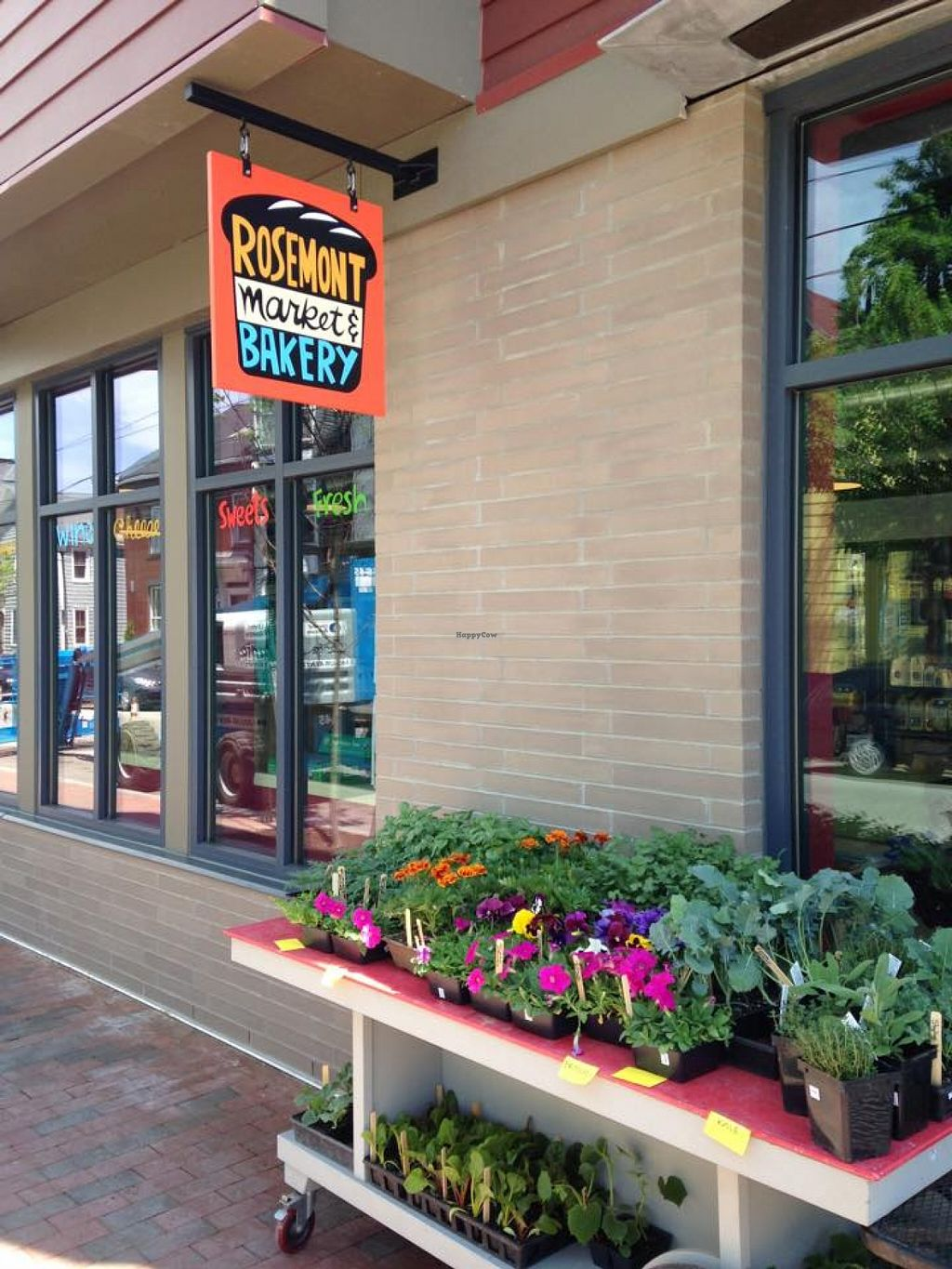 """Photo of Rosemont Market  by <a href=""""/members/profile/community"""">community</a> <br/>Rosemont Market  <br/> October 17, 2015  - <a href='/contact/abuse/image/64408/121592'>Report</a>"""