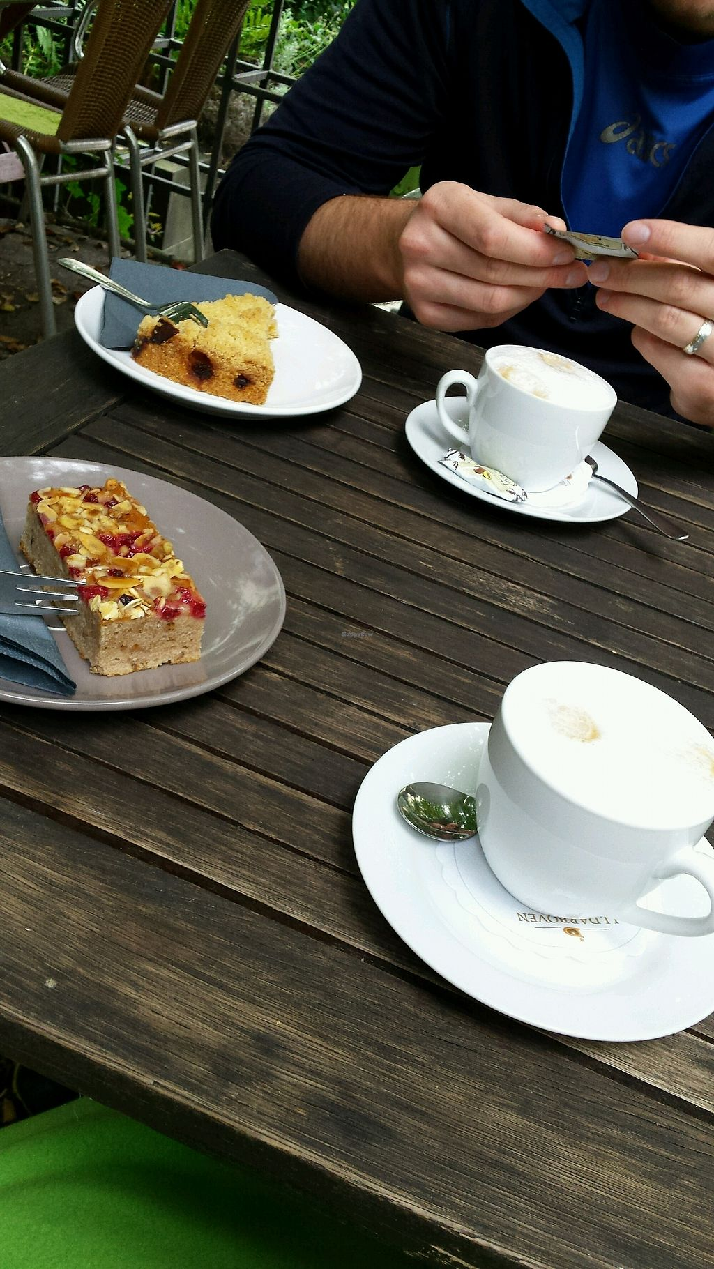 "Photo of Pfefferminzje Cafe Bistro  by <a href=""/members/profile/AnnaPonomareva"">AnnaPonomareva</a> <br/>vegane Kuchen und Kaffeespezialitäten <br/> September 8, 2017  - <a href='/contact/abuse/image/64413/301965'>Report</a>"