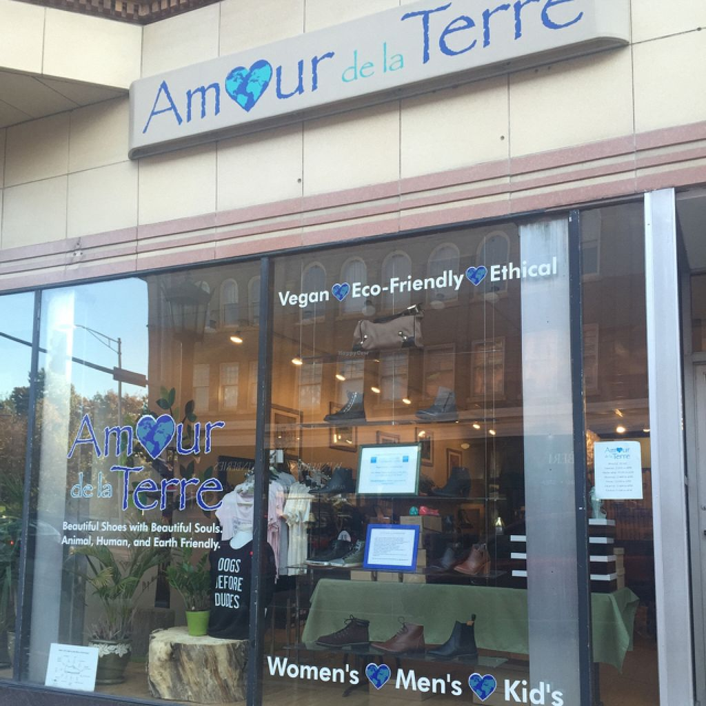 """Photo of CLOSED: Amour de la Terre  by <a href=""""/members/profile/Amour%20de%20la%20Terre"""">Amour de la Terre</a> <br/>Exterior view <br/> October 25, 2015  - <a href='/contact/abuse/image/64457/122680'>Report</a>"""