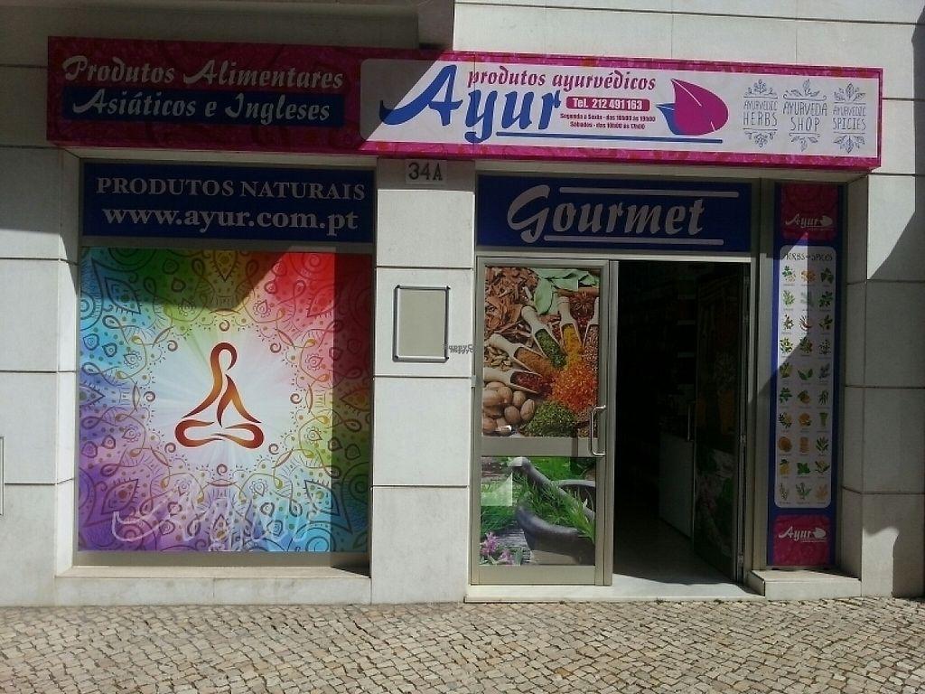 "Photo of Ayur  by <a href=""/members/profile/RicardoMartins"">RicardoMartins</a> <br/>Entrada da loja <br/> April 17, 2017  - <a href='/contact/abuse/image/64502/249278'>Report</a>"