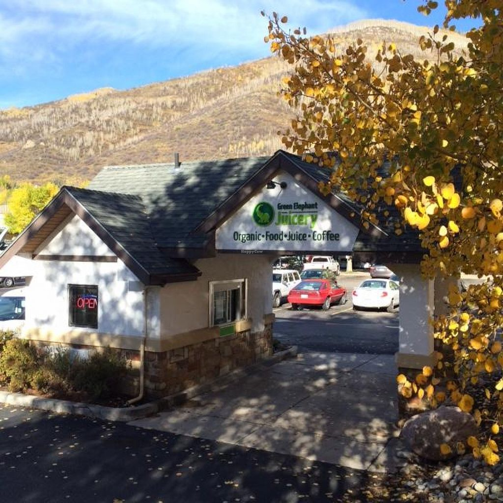 """Photo of Green Elephant Juicery Drive Thru  by <a href=""""/members/profile/osha7"""">osha7</a> <br/>Drive Thru in West Vail <br/> November 8, 2015  - <a href='/contact/abuse/image/64528/124297'>Report</a>"""