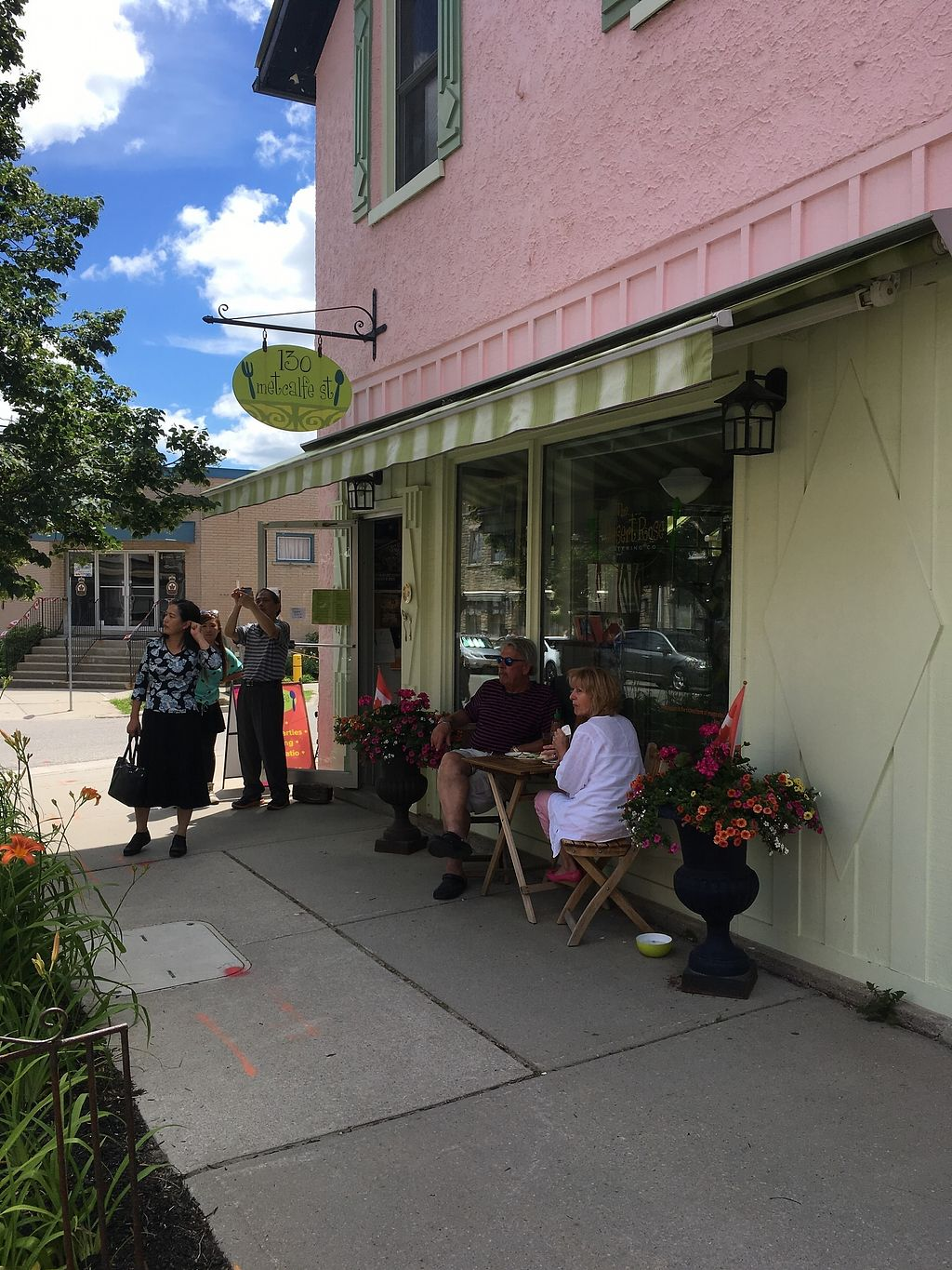 "Photo of Desert Rose Cafe  by <a href=""/members/profile/Cat_Mamma"">Cat_Mamma</a> <br/>Storefront <br/> July 4, 2017  - <a href='/contact/abuse/image/64661/276510'>Report</a>"