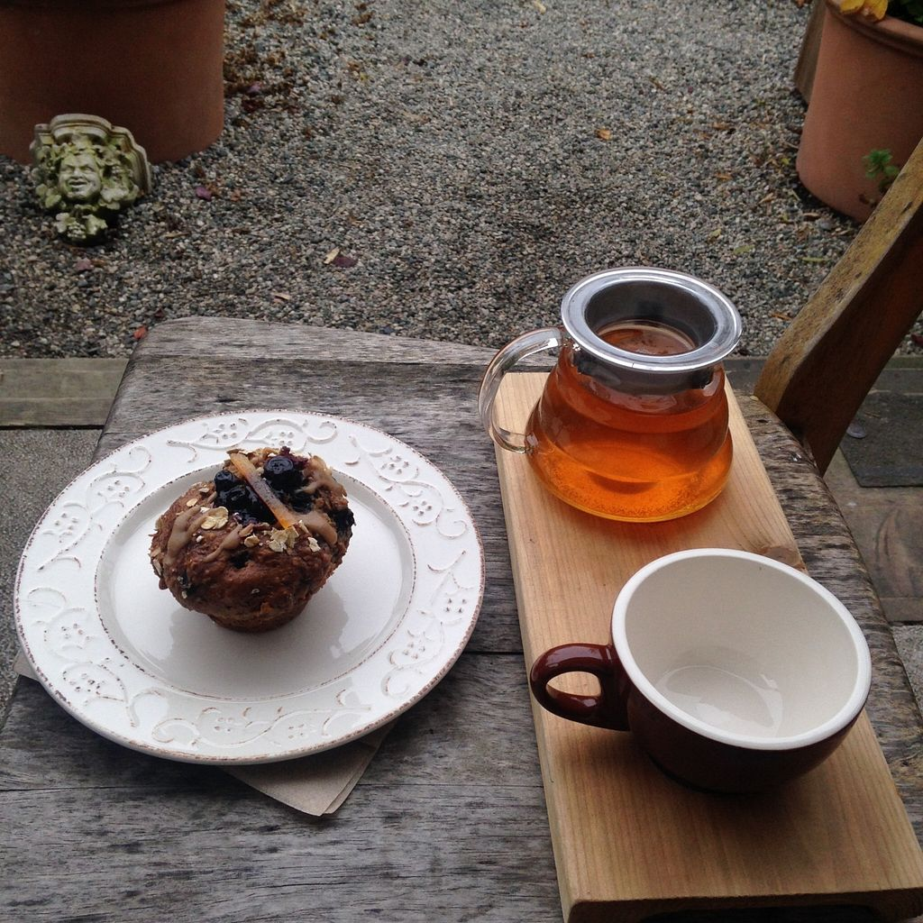 """Photo of Platform 7 Coffee House  by <a href=""""/members/profile/ohstephyy"""">ohstephyy</a> <br/>Wonderful jasmine tea, and a vegan blueberry muffin <br/> October 19, 2015  - <a href='/contact/abuse/image/64680/121847'>Report</a>"""