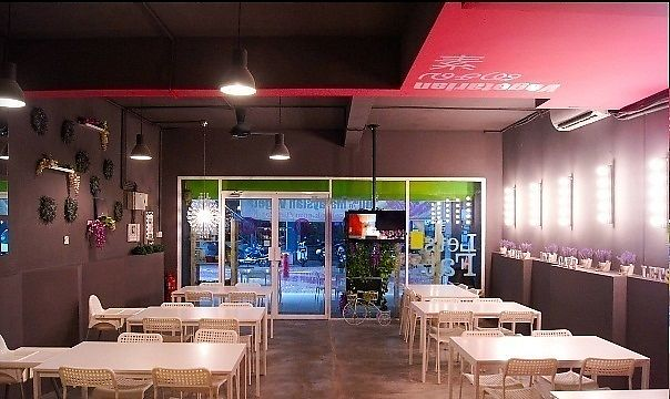"""Photo of Lets Fat Cafe  by <a href=""""/members/profile/harryang"""">harryang</a> <br/>Inside <br/> November 18, 2017  - <a href='/contact/abuse/image/64719/326699'>Report</a>"""