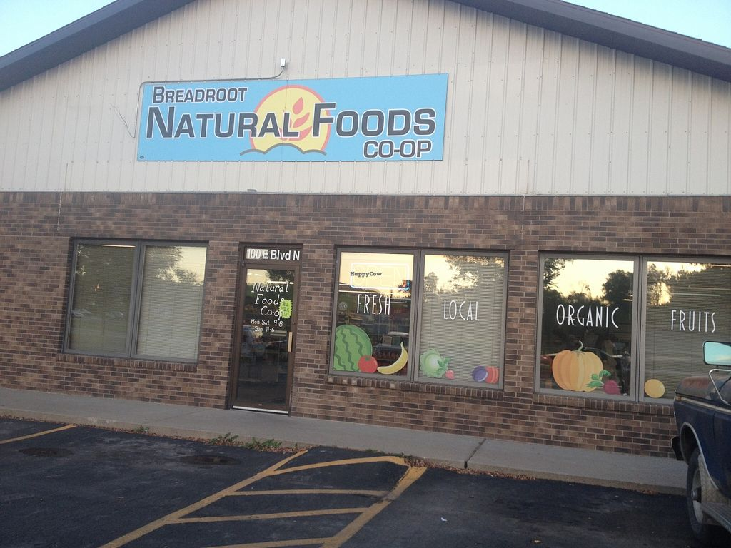 """Photo of Breadroot Natural Foods Cooperative  by <a href=""""/members/profile/vegan_ryan"""">vegan_ryan</a> <br/>Front entrance <br/> October 14, 2015  - <a href='/contact/abuse/image/6485/121296'>Report</a>"""