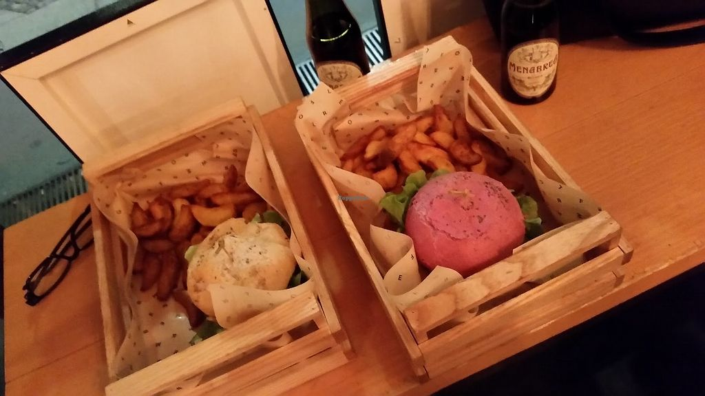 """Photo of Flower Burger  by <a href=""""/members/profile/StephanieKarinHaugen"""">StephanieKarinHaugen</a> <br/>Amazing burgers and beer at Flower Burger, Milan, Italy! <br/> January 11, 2018  - <a href='/contact/abuse/image/64889/345528'>Report</a>"""