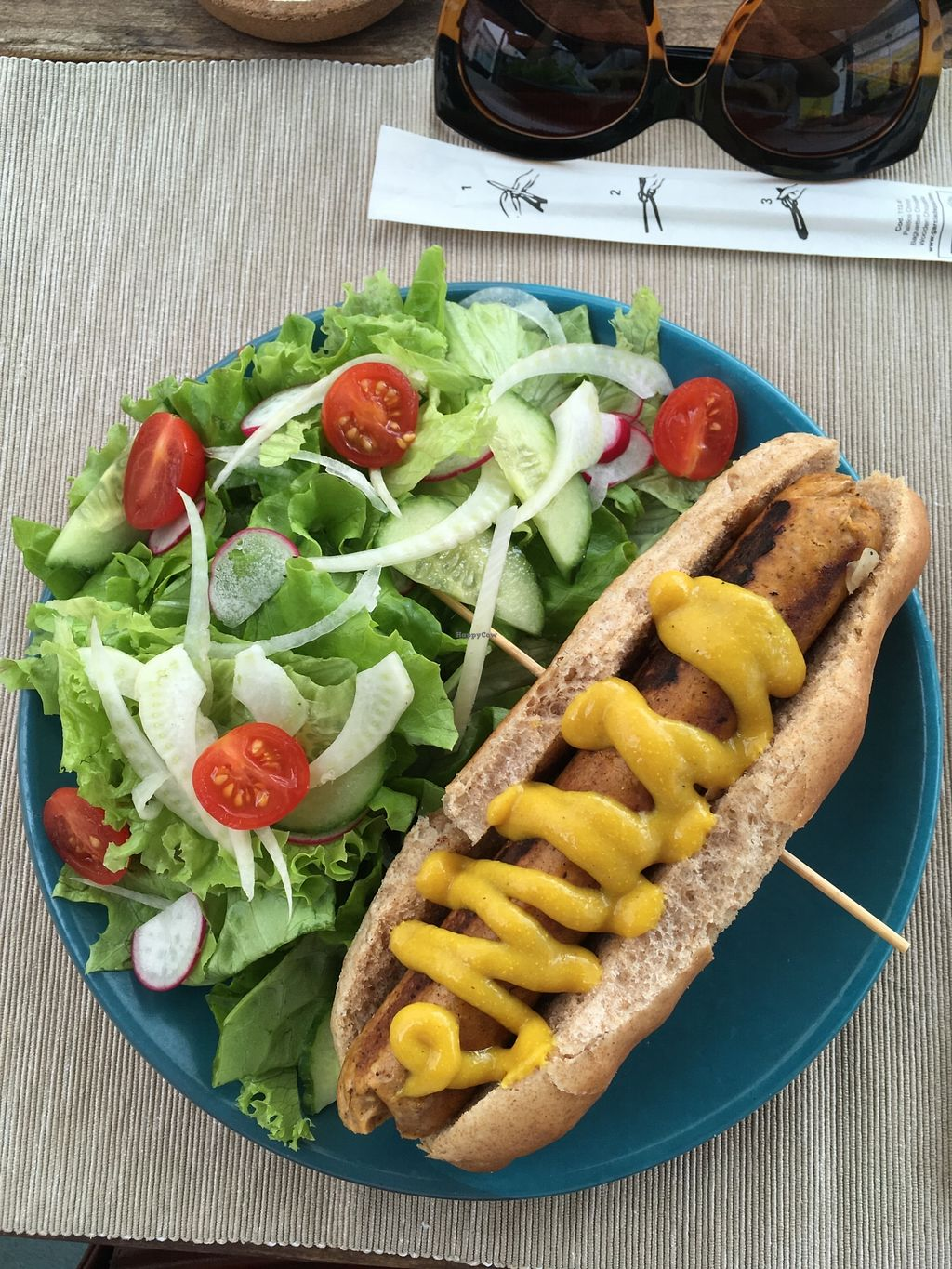 "Photo of Buenavida Vegan  by <a href=""/members/profile/Fgd"">Fgd</a> <br/>Hotdog and salad. Fennel toppings ? <br/> December 3, 2017  - <a href='/contact/abuse/image/64893/331981'>Report</a>"