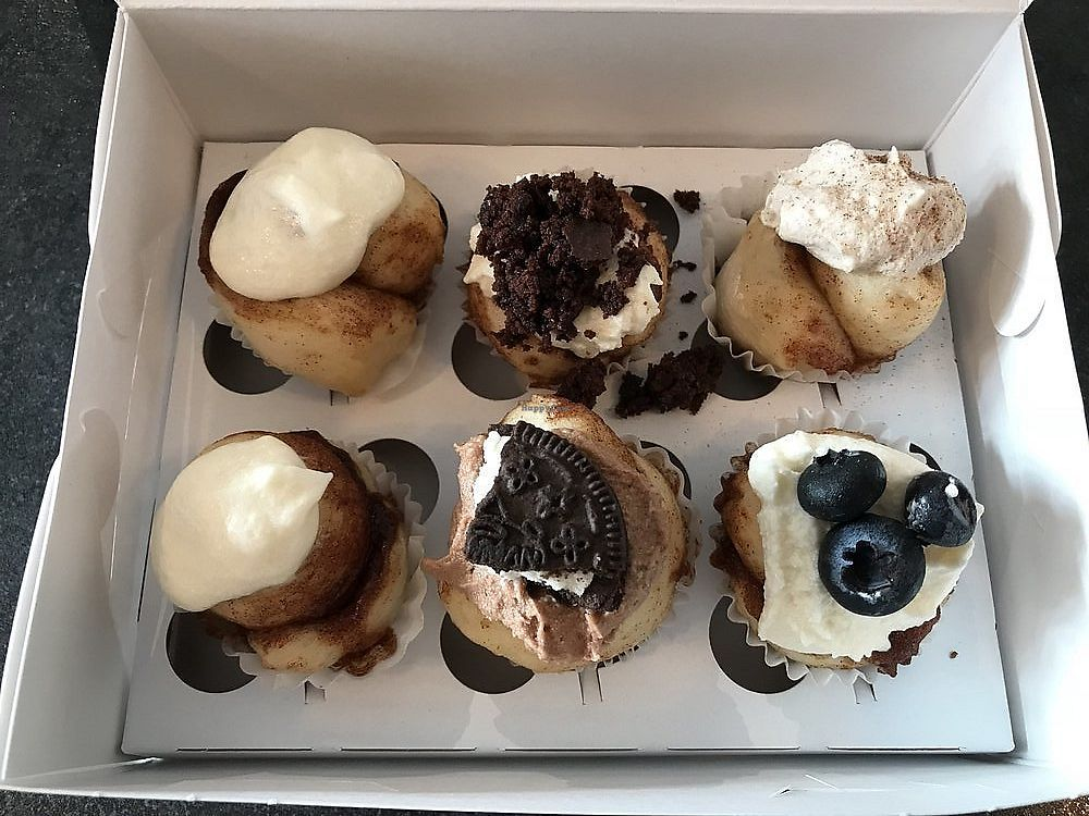 """Photo of Cinnaholic  by <a href=""""/members/profile/nlevine94"""">nlevine94</a> <br/>6 pack, great way to test! <br/> November 7, 2017  - <a href='/contact/abuse/image/64931/322928'>Report</a>"""