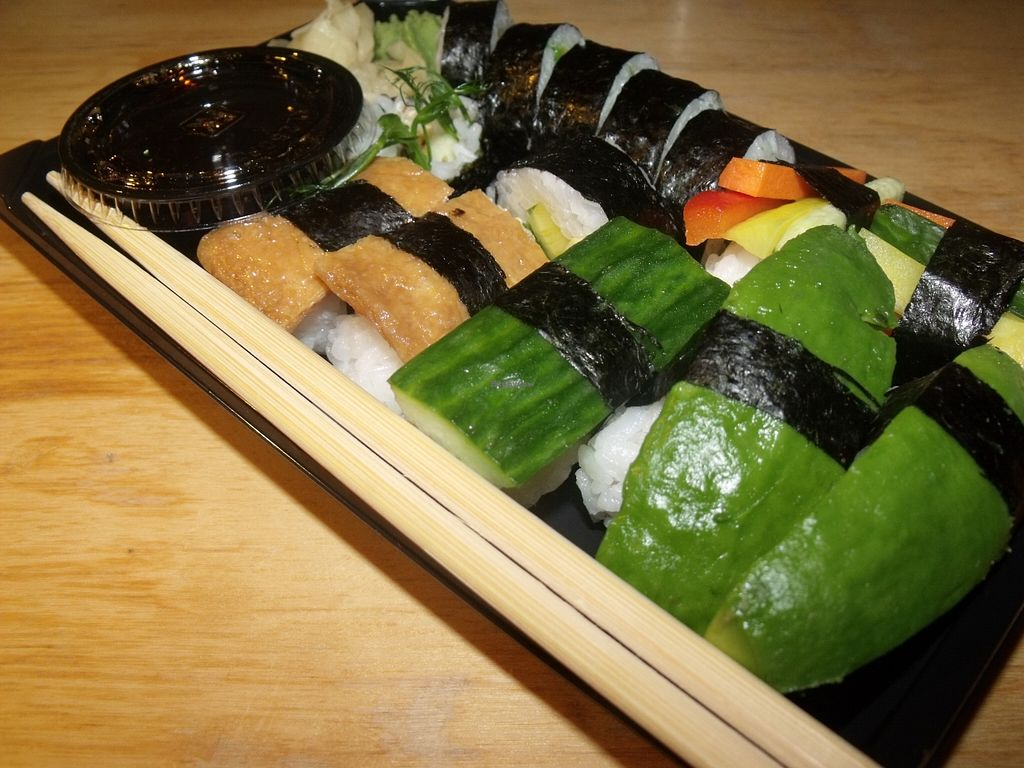 "Photo of Kina Thai  by <a href=""/members/profile/Amy1274"">Amy1274</a> <br/>12 piece vegetarian sushi to take away <br/> November 4, 2015  - <a href='/contact/abuse/image/64946/123884'>Report</a>"
