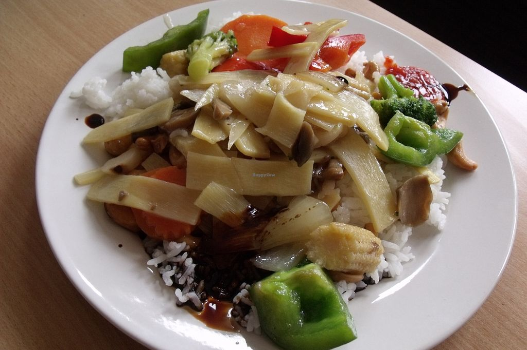 "Photo of Kina Thai  by <a href=""/members/profile/Amy1274"">Amy1274</a> <br/>Mixed vegetable wok - veg, rice, soy sauce and chilli sauce <br/> April 2, 2016  - <a href='/contact/abuse/image/64946/142369'>Report</a>"