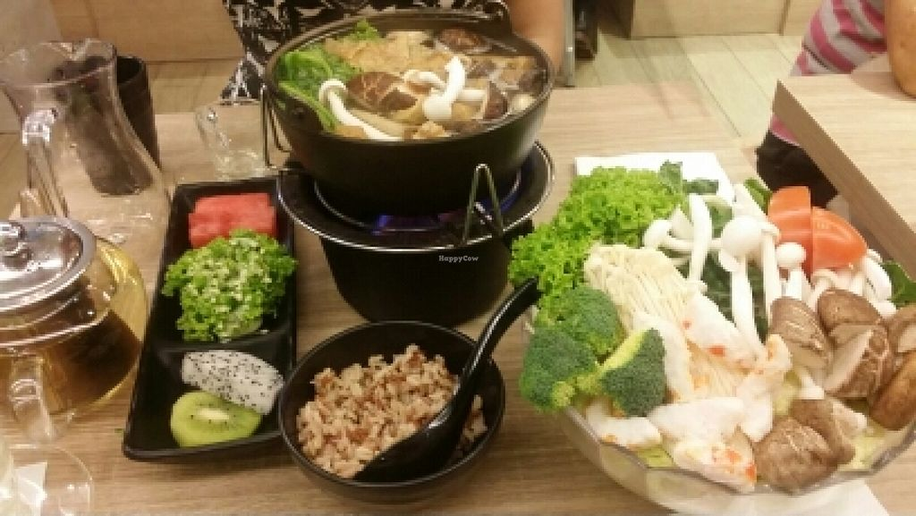 "Photo of Green Dot - Raffles Place   by <a href=""/members/profile/KahHwee"">KahHwee</a> <br/>mushroom pot set for two <br/> June 15, 2016  - <a href='/contact/abuse/image/65017/154066'>Report</a>"
