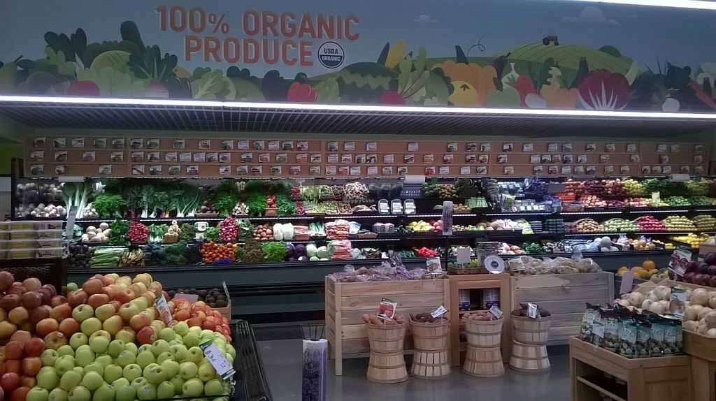 Photo of Natural Grocers - SLC  by Navegante <br/>Interior, Dec 2015 <br/> January 1, 2016  - <a href='/contact/abuse/image/65092/130665'>Report</a>