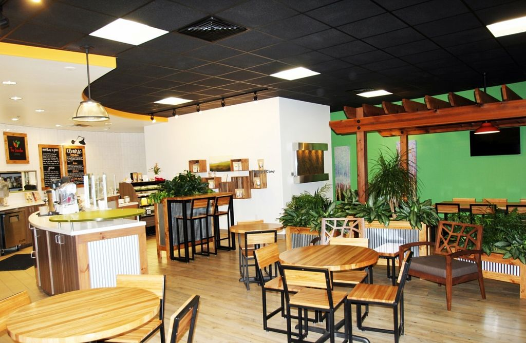 """Photo of CLOSED: The Garden Juicery  by <a href=""""/members/profile/TheGardenJuicery"""">TheGardenJuicery</a> <br/>Casual, comfortable garden-like setting! <br/> November 5, 2015  - <a href='/contact/abuse/image/65156/123980'>Report</a>"""