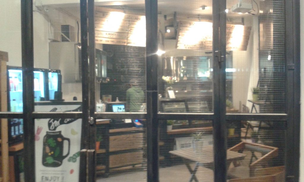 """Photo of CLOSED: The Hong Kong Juice Co. - Prince's Terrace  by <a href=""""/members/profile/Stevie"""">Stevie</a> <br/>4 <br/> November 27, 2015  - <a href='/contact/abuse/image/65177/126336'>Report</a>"""