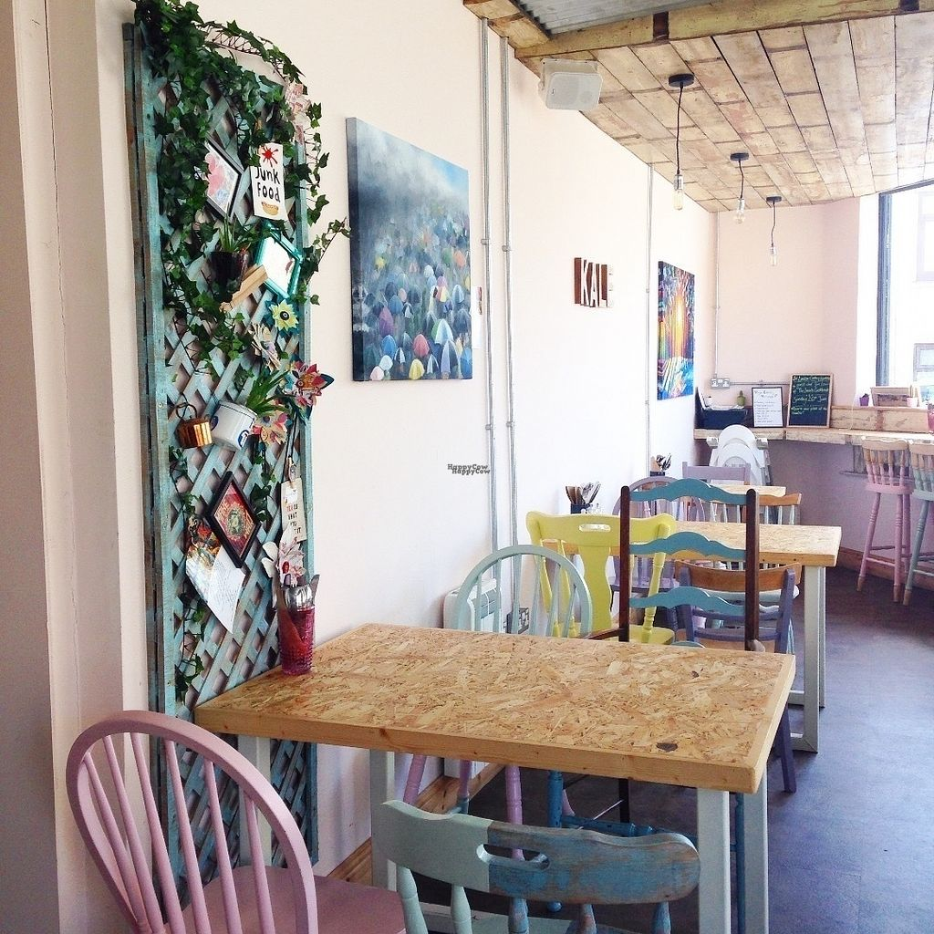 """Photo of CLOSED: Urban Zen  by <a href=""""/members/profile/charclothier"""">charclothier</a> <br/>Beautiful Well Lit Cafe, with out door seating, In love with the decor.  <br/> September 17, 2016  - <a href='/contact/abuse/image/65198/176344'>Report</a>"""