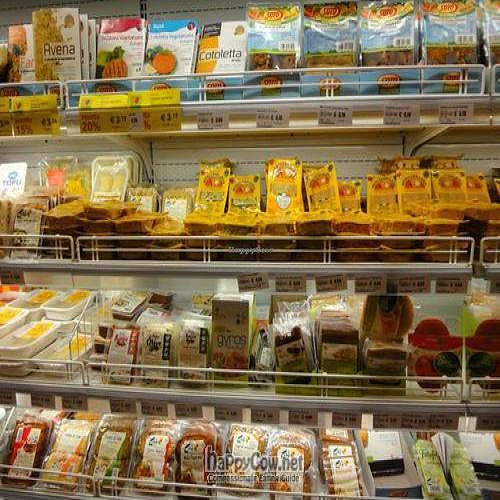 """Photo of Rialto Biocenter  by <a href=""""/members/profile/Jamila10ten"""">Jamila10ten</a> <br/>tofu selections! only protein i found other than cheese.  they have whole wheat bread, too! <br/> June 29, 2011  - <a href='/contact/abuse/image/6522/9467'>Report</a>"""