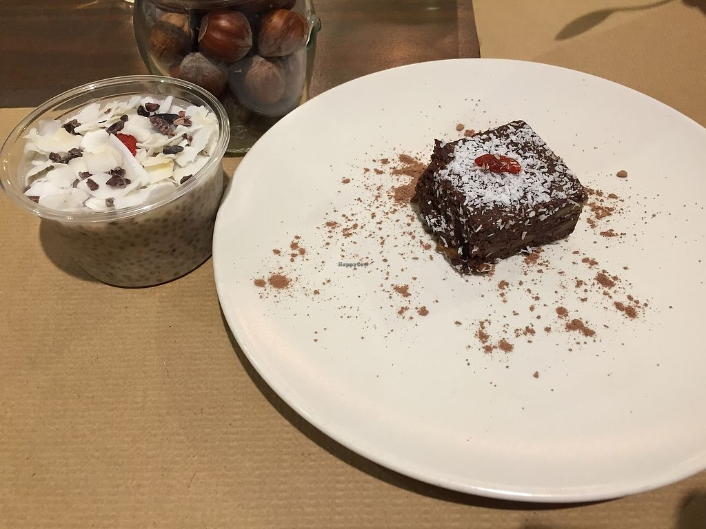 """Photo of Petit Brot - Cold Press, Raw, Eco  by <a href=""""/members/profile/JulkaHanudelova"""">JulkaHanudelova</a> <br/>Chia puding and brownie Delicious! <br/> November 27, 2017  - <a href='/contact/abuse/image/65288/329719'>Report</a>"""