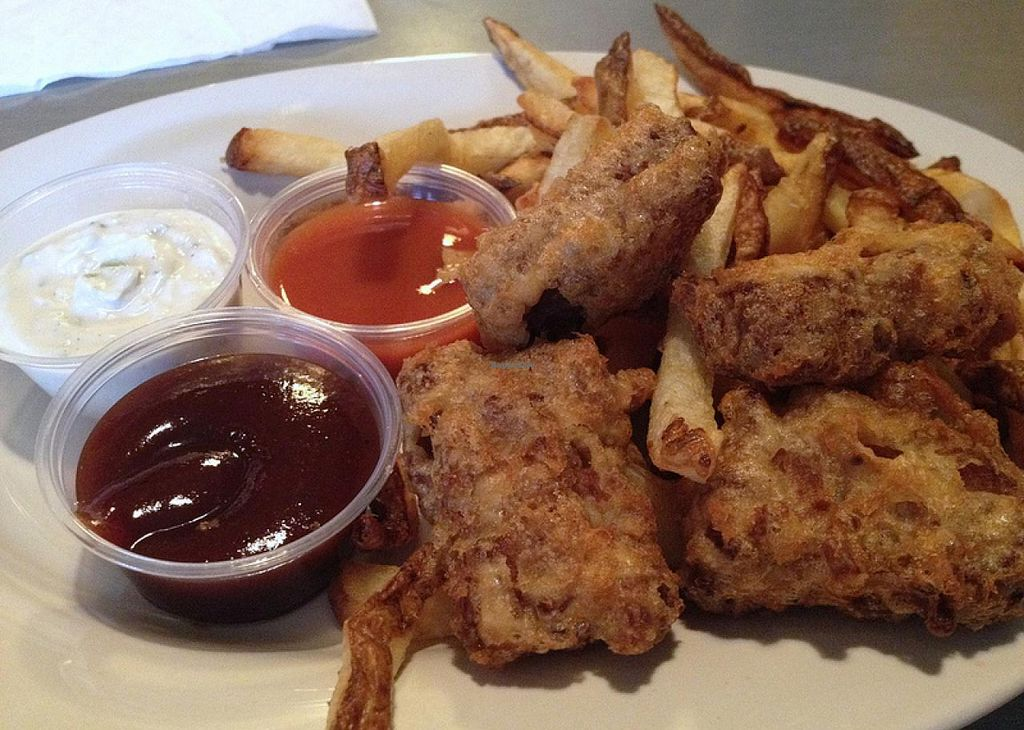 Photo of Comet Cafe  by RamblingVegans <br/>Vegan deep fried ribs with bbq sauce, hot sauce & vegan chive mayo <br/> March 2, 2014  - <a href='/contact/abuse/image/6528/65112'>Report</a>