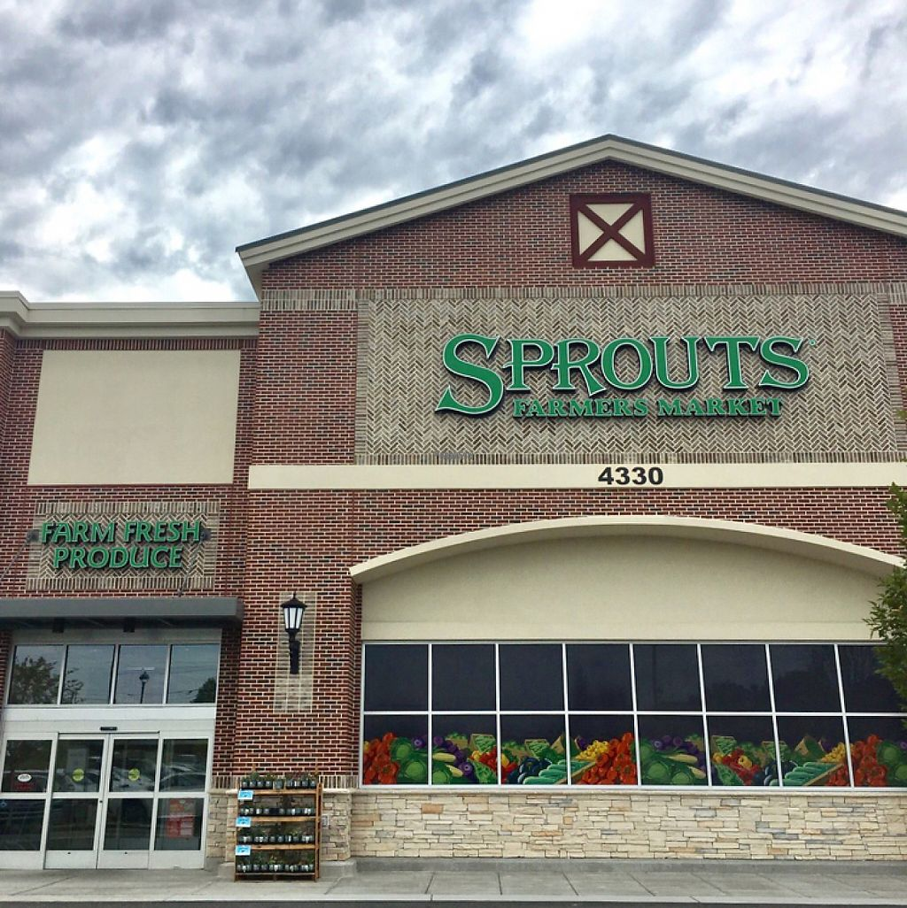 """Photo of Sprouts Farmers Market  by <a href=""""/members/profile/Claudette1620"""">Claudette1620</a> <br/>outside of Sprouts! <br/> November 27, 2016  - <a href='/contact/abuse/image/65397/195231'>Report</a>"""