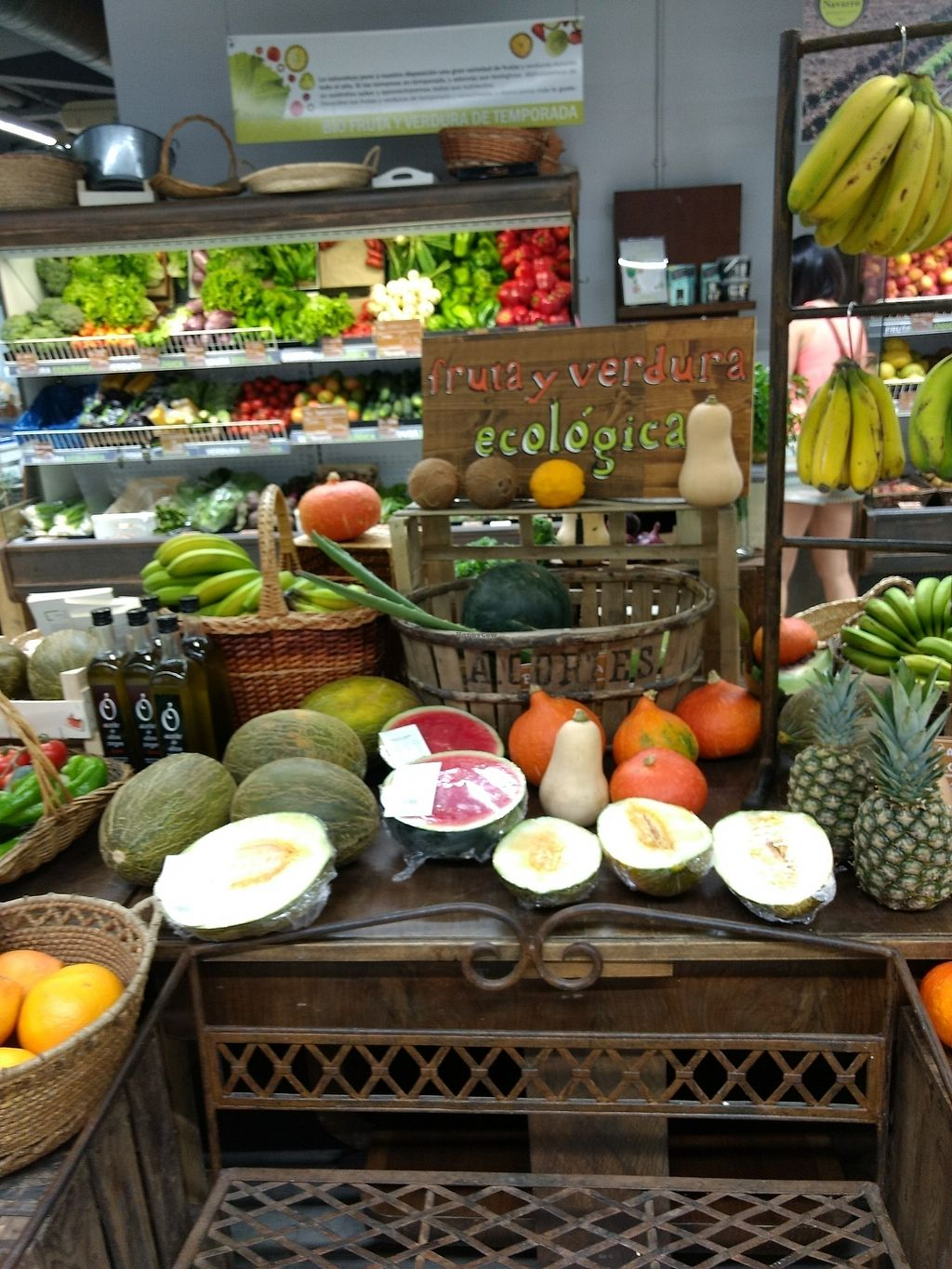 """Photo of Herbolario Navarro - San Vicente  by <a href=""""/members/profile/craigmc"""">craigmc</a> <br/>organic fruit and veg <br/> July 11, 2017  - <a href='/contact/abuse/image/65440/279210'>Report</a>"""