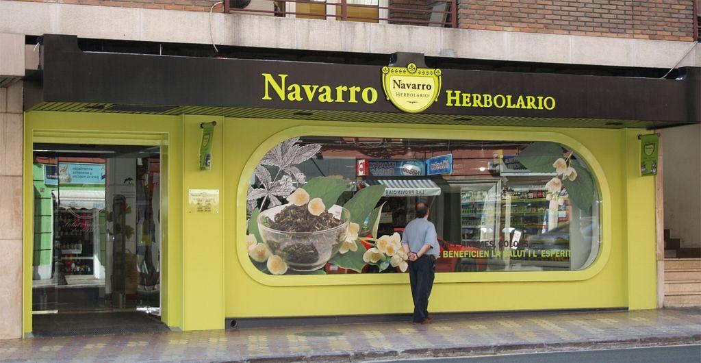 "Photo of Herbolario Navarro - Angel Guimera  by <a href=""/members/profile/HerbolarioNavarro"">HerbolarioNavarro</a> <br/>Fachada Herbolario Navarro situado en Av. Ángel Guimerá, 33 <br/> November 9, 2015  - <a href='/contact/abuse/image/65443/124408'>Report</a>"