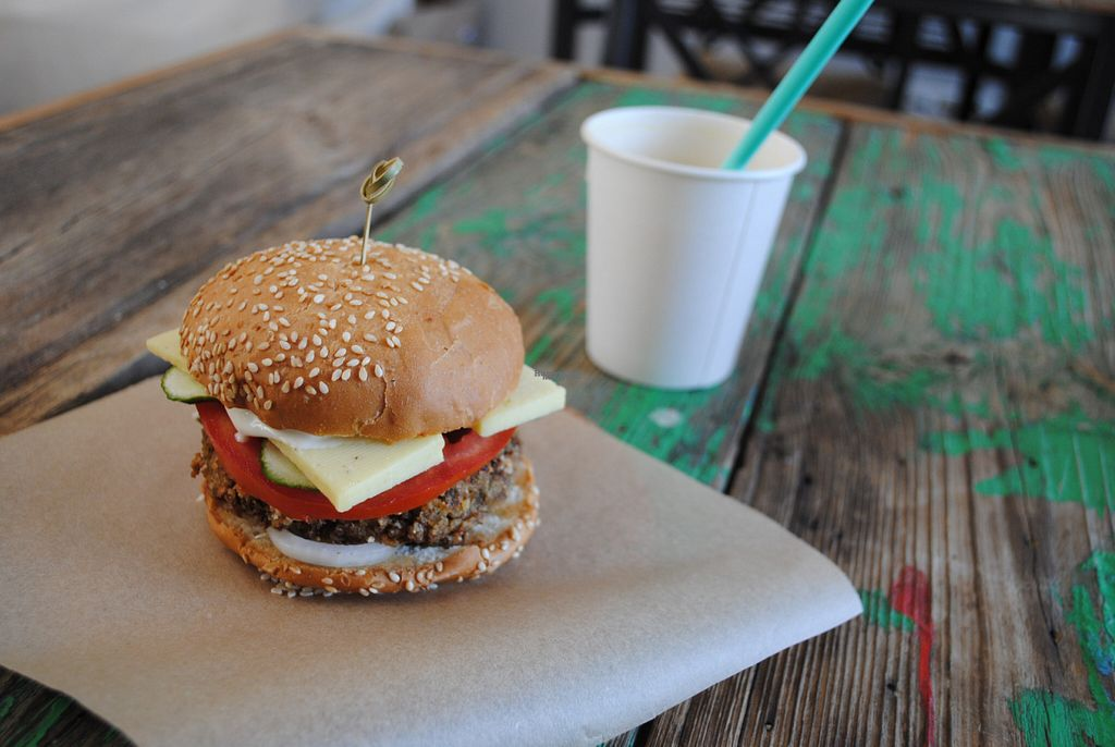 """Photo of Vegan Day  by <a href=""""/members/profile/Elicureuil"""">Elicureuil</a> <br/>Vegan Cheeseburger <br/> September 20, 2016  - <a href='/contact/abuse/image/65455/176951'>Report</a>"""