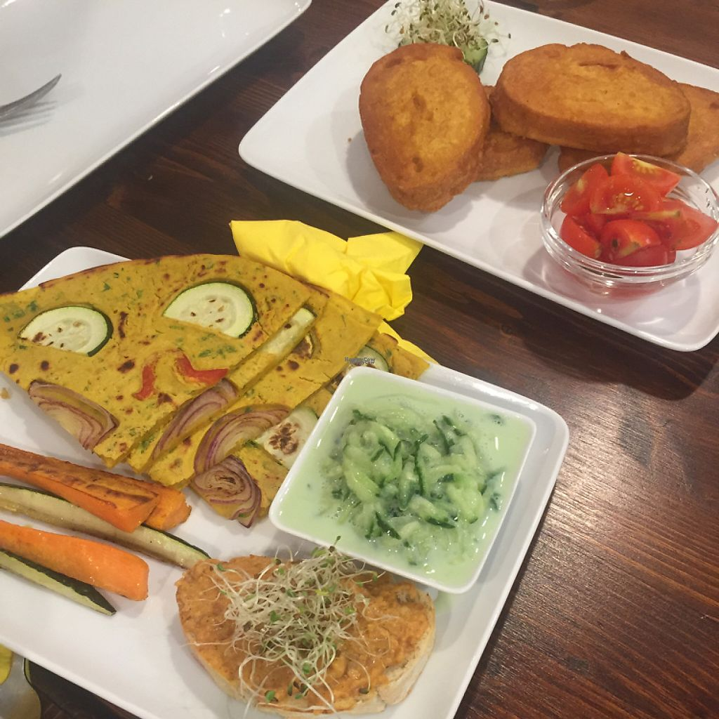"""Photo of Slow Foodiez  by <a href=""""/members/profile/americanvegan"""">americanvegan</a> <br/>Vegan Omelette and French Toast <br/> November 8, 2016  - <a href='/contact/abuse/image/65490/187432'>Report</a>"""