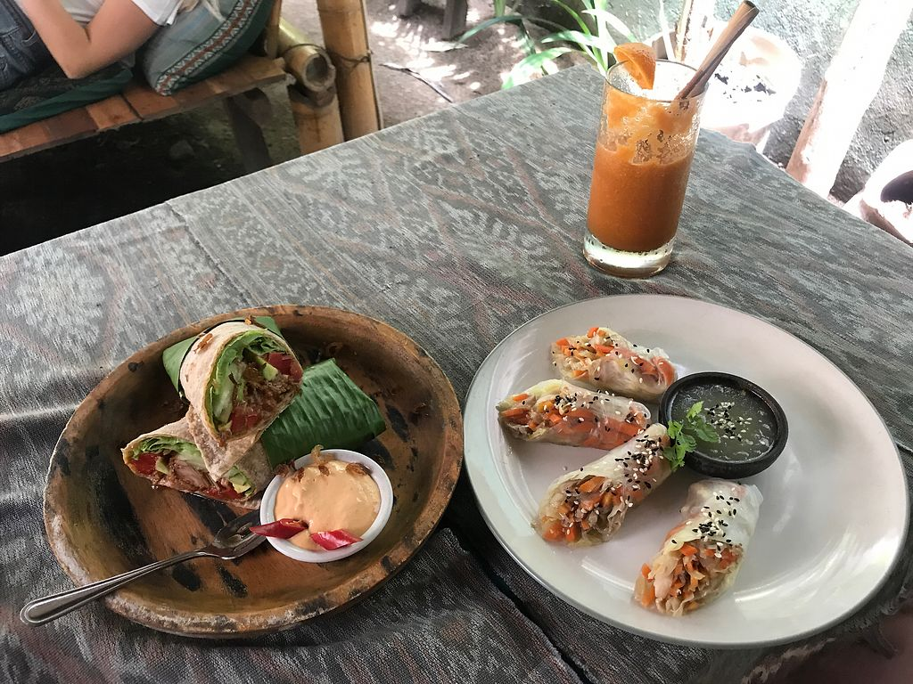 """Photo of Pituq Cafe  by <a href=""""/members/profile/zfp"""">zfp</a> <br/>Jack fruit wrap and the paper rice rolls <br/> March 6, 2018  - <a href='/contact/abuse/image/65540/367358'>Report</a>"""
