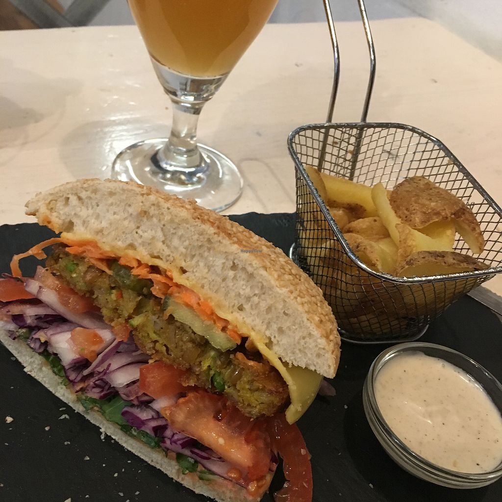 """Photo of Veggiezz - Am Salzgriess  by <a href=""""/members/profile/vegancheeks"""">vegancheeks</a> <br/>Delicious cheeseburger! <br/> March 9, 2018  - <a href='/contact/abuse/image/65561/368539'>Report</a>"""