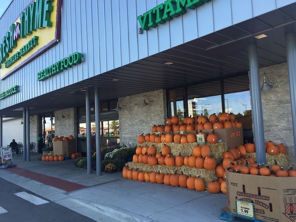 "Photo of Fresh Thyme Farmer's Market  by <a href=""/members/profile/sanderadio"">sanderadio</a> <br/>Fall at Fresh Thyme Farmer's Market <br/> May 21, 2017  - <a href='/contact/abuse/image/65626/261191'>Report</a>"