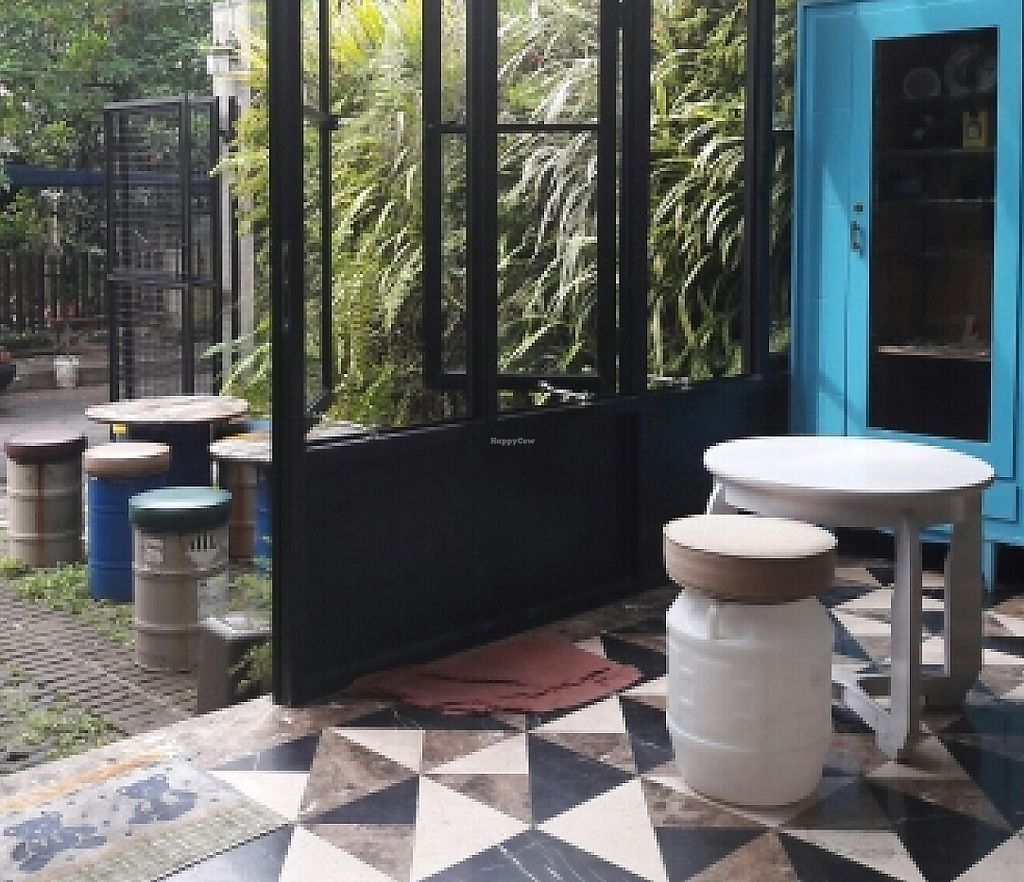 "Photo of LN Fortunate Coffee - Bandung City  by <a href=""/members/profile/AshlynZuideveld"">AshlynZuideveld</a> <br/>nice interior and exterior <br/> June 19, 2016  - <a href='/contact/abuse/image/65637/267563'>Report</a>"